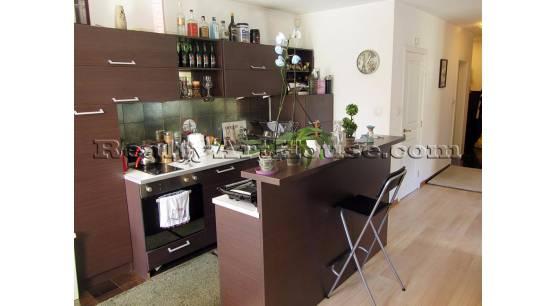 2-стаен луксозно обзаведен апартамент в затворен комплекс в кв. Борово