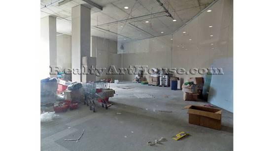 Голямо отворено помещение в търговско-офисен център