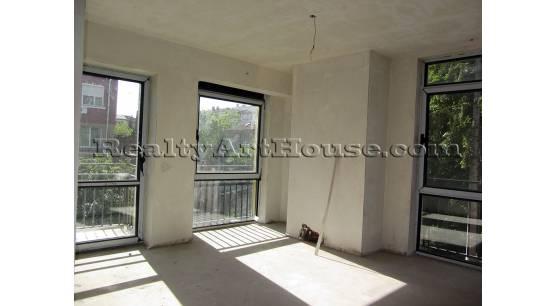 3-стаен апартамент в центъра на София за 1200 Евро / кв.м.