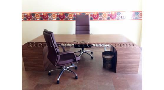 Обзаведен, луксозен представителен, функционален офис в тихо и комуникативно място.