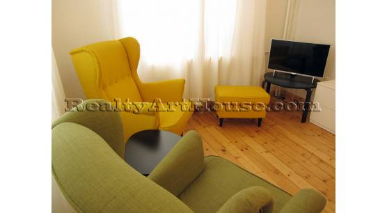 Attractive apartment, with designer furnishing in the ideal center.