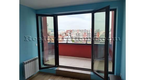 Напълно обзаведен 2-стаен апартамент в нова сграда до мол София.
