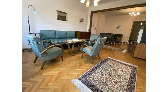 2-стаен непреходен апартамент с отделна кухня в центъра на София, ул. П Евтимий