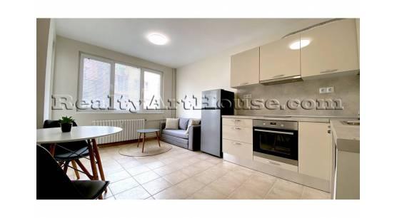 Уютен маломерен 2-стаен апартамент след ремонт.