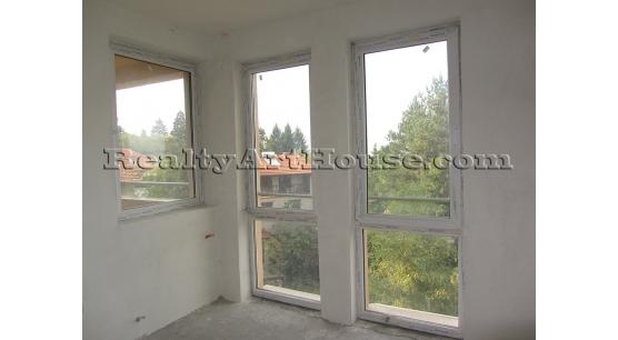 3-стаен апартамент на шпакловка и замазка в нова газифицирана сграда