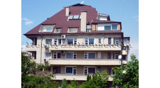 Много-стаен апартамент за голямо семейство или изгодна инвестиция