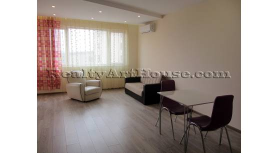 2-стаен луксозен напълно завършен обзаведен апартамент в тих, комуникативен район.